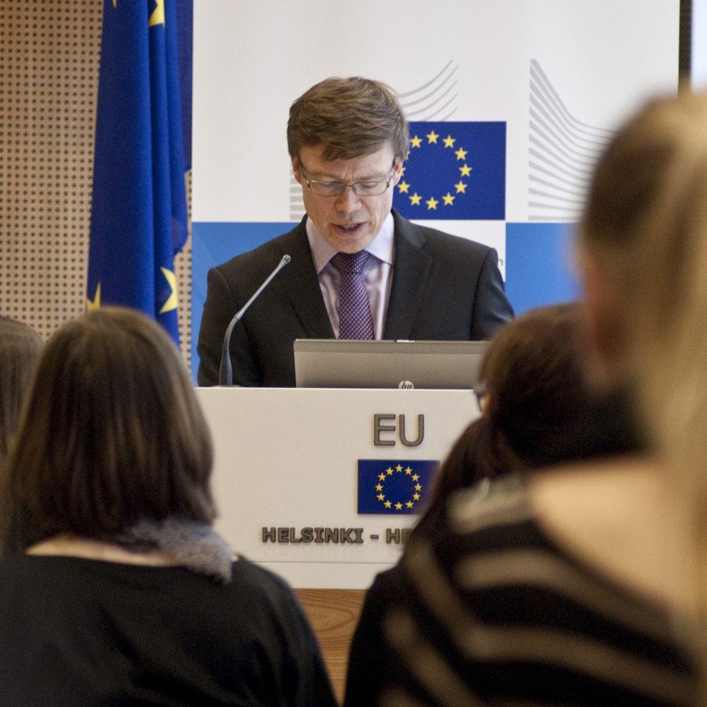 Luonnonsuojeluliiton suojelupäällikkö Jouni Nissinen on myös European Environmental Bureau EEB:n puheenjohtaja. Kuva: Kirsi Kunelius.